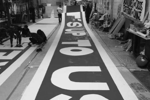 Painting a 300 ft banner for D12 Paris: time-lapse video