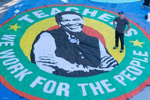 UTLA Art Build: Stand with Los Angeles Teachers!